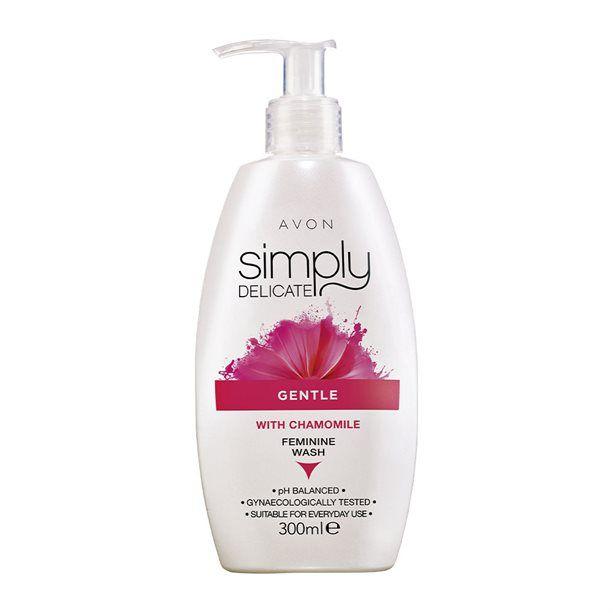 Dámský gel pro intimní hygienu s aloe a heřmánkem Simply Delicate / Femine Wash / - : 300 ml Avon